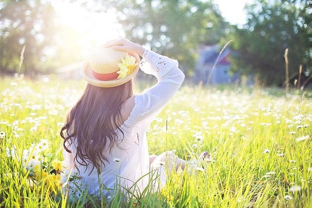 Kinder ins Freie bringen, um das geistige und körperliche Wohlbefinden zu verbessern.